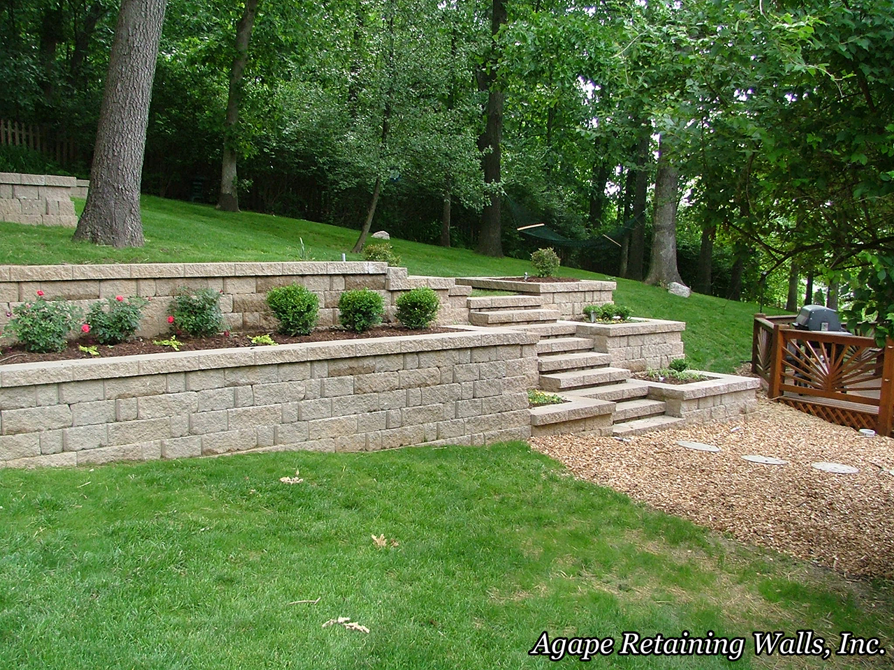 Agape retaining walls inc terrace photo album 3 for Landscape retaining wall design